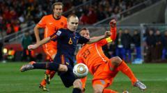 Indosport - Andres Iniesta sebelum mencetak gol ke gawang Belanda, 2010 silam.