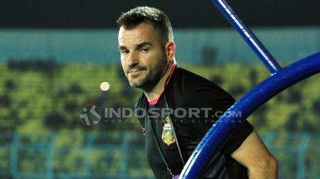 Pelatih Bhayangkara FC, Simon McMenemy. - INDOSPORT