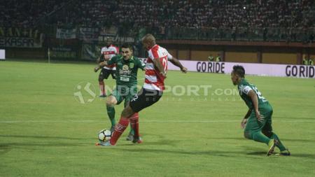 Madura United vs Persebaya Surabaya - INDOSPORT