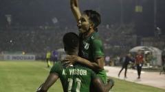 Indosport - PSMS vs Arema FC