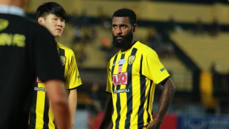 Yanto Basna adalah salah satu pemain kesayangan Alfred Riedl di Timnas Indonesia medio 2016. - INDOSPORT