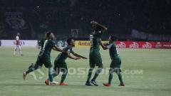 Indosport - Selebrasi para pemain Persebaya.
