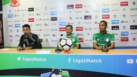 Pelatih PSMS Medan, Djajang Nurdjaman dalam konferensi pers jelang laga lawan Borneo FC. - INDOSPORT