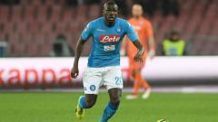 Indosport - Liverpool dikabarkan segera menyiapkan manuver gila untuk bisa memboyong Kalidou Koulibaly dari Napoli di bursa transfer musim panas ini.