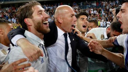 Zinedine Zidane dipastikan bakal aman di Real Madrid pasca Sergio Ramos pecahkan dua rekor nalar di Liga Champions lawan Inter Milan. - INDOSPORT