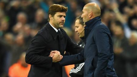 Pelatih Real Madrid, Zinedine Zidane, tampaknya bakal segera didepak lantaran Mauricio Pochettino sudah menemui legenda Los Blancos untuk jadi pelatih. - INDOSPORT