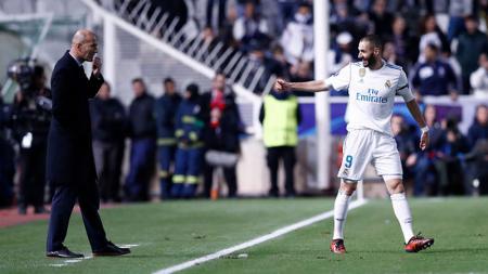 Zinedine Zidane dan Karim Benzema - INDOSPORT