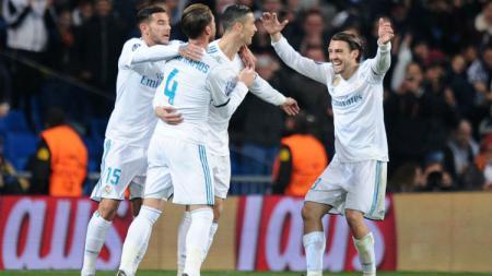 Mateo Kovacic merayakan gol Cristiano Ronaldo saat menghadapi Borussia Dortmund di Liga Champions, 06 Desember 2017, Madrid, Spanyol. - INDOSPORT