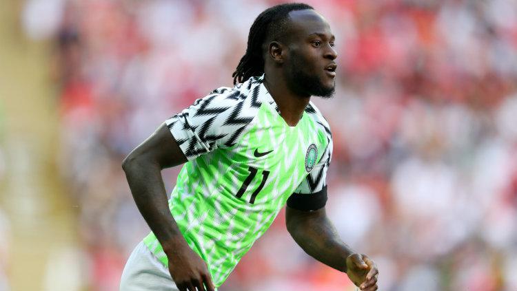 Victor Moses saat membela Nigeria di pertandingan persahabatan kontra Inggris. Copyright: Getty Images