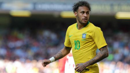 Bintang Brasil, Neymar, kala berlaga lawan Kroasia jelang Piala Dunia 2018. - INDOSPORT