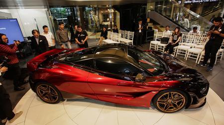 McLaren 720S yang hadir di Jakarta, menjalin silaturahmi dengan rekan-rekan media melaksanakan buka puasa bersama. - INDOSPORT
