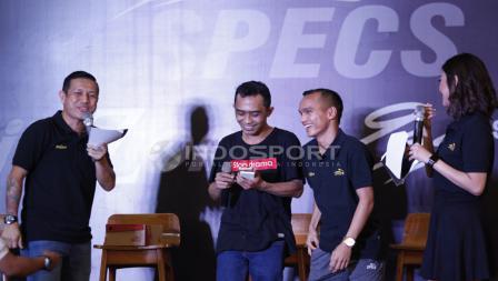 Tawa Riko Simanjuntak di acara Specs Illuzion & 9SS 'Super' Simic launch.