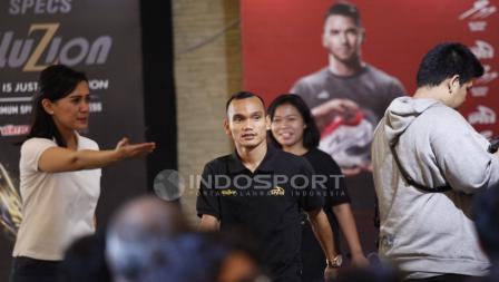 Selepas memperkuat Timnas Indonesia U-23, Riko Simanjuntak langsung menghadiri acara Specs Illuzion & 9SS 'Super' Simic launch.