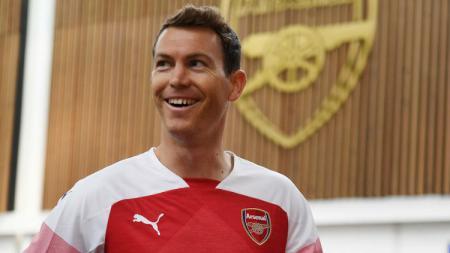 Stephan Lichtsteiner resmi bergabung dengan Arsenal dari Juventus. - INDOSPORT