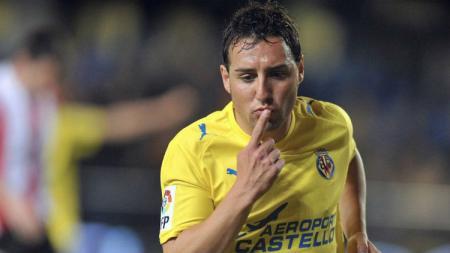 Santi Cazorla saat berseragam Villarreal. - INDOSPORT