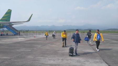 Beberapa pemain Sriwijaya FC sudah ada yang terbang lebih dahulu ke Banjarmasin, Rabu (06/06/18). - INDOSPORT