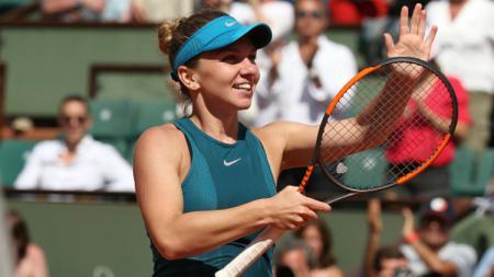 Simona Halep pernah tumbang lantaran kelelahan bermain tenis. - INDOSPORT