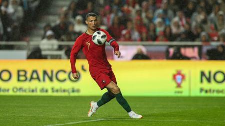 Cristiano Ronaldo dalam laga pemanasan Piala Dunia 2018 antara Portugal vs Aljazair. - INDOSPORT