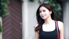 Indosport - Presenter cantik, Sandra Olga.