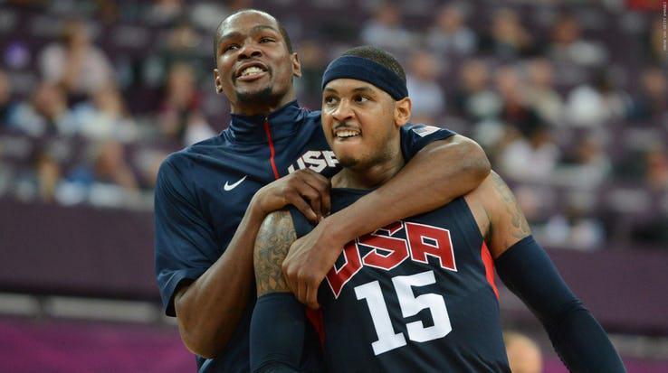 Kevin Durant selebrasi saat berseragam Timnas Basket Amerika. Copyright: nba.com