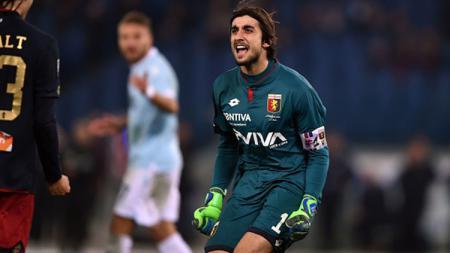 Kiper utama Genoa, Mattia Perin resmi berseragam Juventus. - INDOSPORT