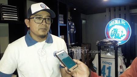 Manajer Bisnis-Pemasaran Arema FC, Yusrinal Fitriandi. - INDOSPORT