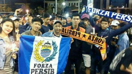 Bobotoh dan The Jakmania. - INDOSPORT