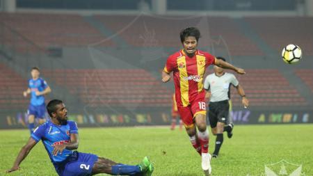 Pelatih kepala Barito Putera, Djajang Nurdjaman mengaku kepincut eks pemain Selangor FA, Ilham Udin Armayn. - INDOSPORT