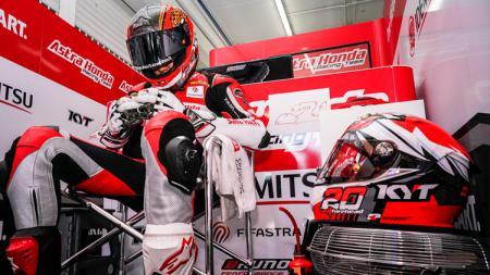 Dimas Ekky Pratama mendapat banyak dukungan dari masyarakat Indonesia jelang balapan di Sirkuit Le Mans, Prancis. - INDOSPORT