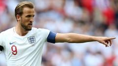 Indosport - Harry Kane, striker Timnas Inggris ogah tiru Cristiano Ronaldo yang menggeser Coca-Cola selaku sponsor Euro 2020 gara-gara alasan tak terduga.
