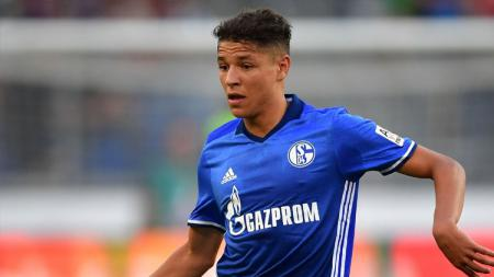 Bintang muda Schalke 04, Amine Harit, terciduk bepergian ke bar di tengah pandemi Corona. - INDOSPORT