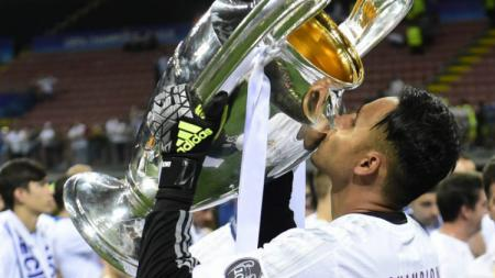 Keylor Navas tiga kali menjuarai Liga Champions bersama Real Madrid. - INDOSPORT