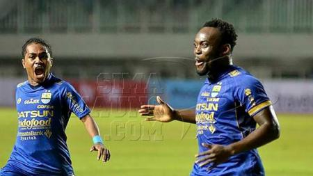 Michael Essien dan Billy Keraf - INDOSPORT