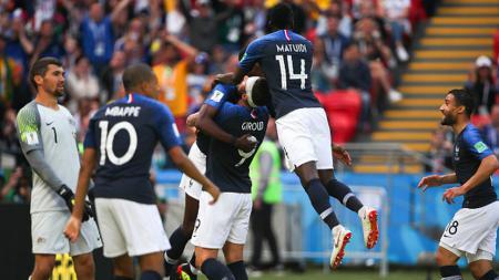 Selebrasi pemain Prancis pasca mencetak gol ke gawang Australia. - INDOSPORT