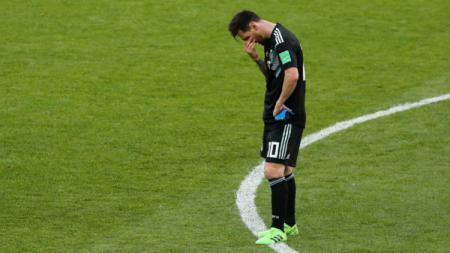Lionel Messi usai laga Grup D Piala Dunia 2018 antara Argentina vs Islandia yang berakhir imbang, Sabtu (16/06/18). - INDOSPORT