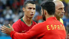 Indosport - Striker Timnas Portugal, Cristiano Ronaldo (kiri) dan Diego Costa, striker Timnas Spanyol.