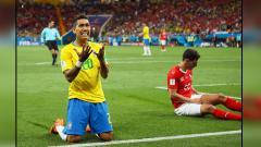 Indosport - Roberto Firmino (kiri), striker Timnas Brasil.
