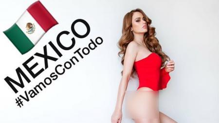 Yanet Garcia, presenter seksi asal Meksiko yang menggunakan celana ketat untuk berolahraga. - INDOSPORT
