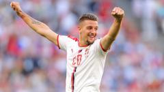 Indosport - Sergej Milinkovic-Savic dalam laga Serbia vs Kosta Rika di Piala Dunia 2018.