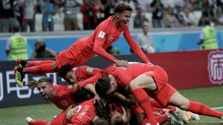 Kegembiraan Timnas Inggris ketika Harry Kane berhasil cetak gol ke gawang Tunisia - INDOSPORT