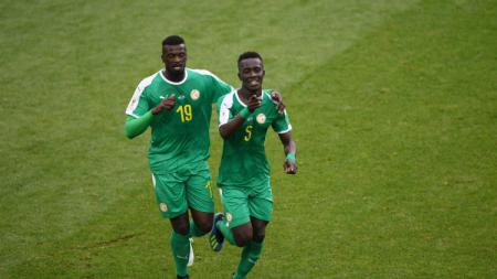 Skuat Senegal merayakan gol kedua ke gawang Polandia di laga Grup H Piala Dunia 2018, Selasa (19/06/18). - INDOSPORT