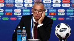 Indosport - Hector Cuper, pelatih yang pernah menukangi klub Serie A Liga Italia, Inter Milan, kabarnya tertarik melatih Timnas berjuluk The Black Stars.