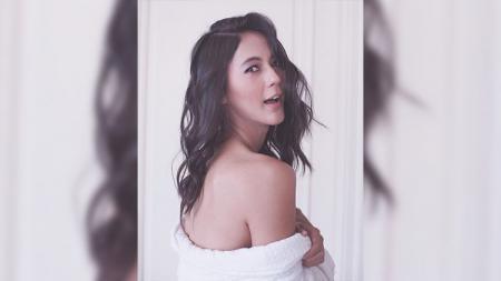 Paula Verhoeven model cantik kekasih Baim Wong. - INDOSPORT