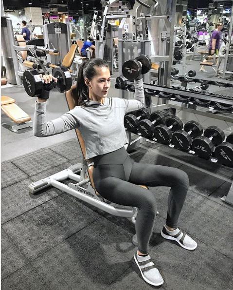 Kekasih Baim Wong, model cantik Paula Verhoeven memang gemar berolahraga untuk menjaga bentuk tubuhnya. Copyright: Instagram@Paula_Verhoeven