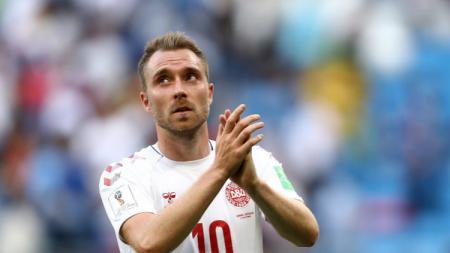 Gelandang Timnas Denmark, Christian Denmark usai laga menghadapi Australia. - INDOSPORT