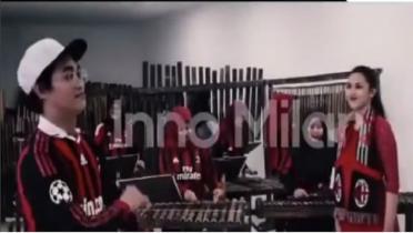 Keren! AC Milan Terkesima dengan Musik Angklung Indonesia