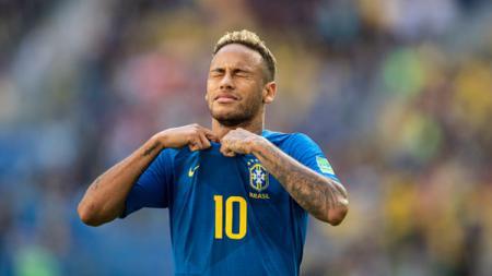 Neymar menangis usai laga lawan Kosta Rika. - INDOSPORT