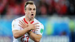 Xherdan Shaqiri selebrasi usai cetak gol di laga Serbia vs Swiss di Piala Dunia 2018.