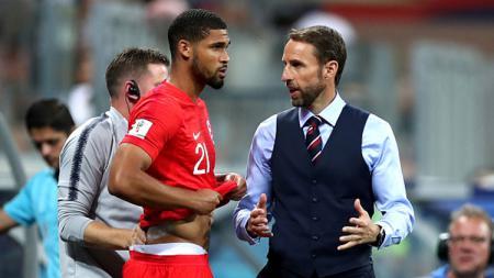 Ruben Loftus-Cheek (kiri) besar kemungkinan dipilih Gareth Southgate menjadi starter lawan Panama. - INDOSPORT
