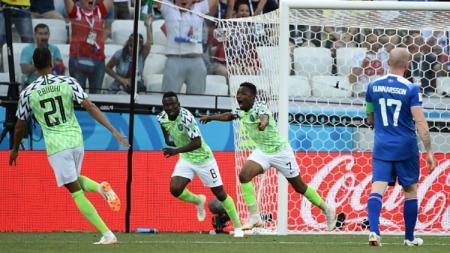 Selebrasi pemain Nigeria saat melawan Islandia di Piala Dunia 2018.